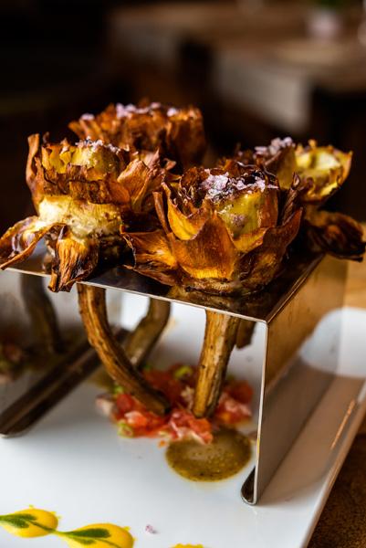 Flor de alcachofas fritas con miel de trufa - Arroces Ten